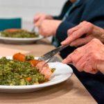 una cattiva alimentazione negli anziani