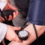 l'alta pressione sanguigna causata dallo stress
